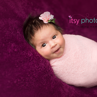 3G2B0672 mauve pink newborn flowers girl