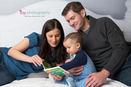 baby photographer, bed backdrop, family, mom, dad,  pajamas, story book, goodnight moon