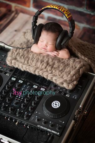 Itsy Photography, Professions, careers, when i grow up, dream job, newborn, newborn photographer, DJ, turntable, headphones