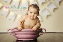 baby photographer, newborn photographer, infant photographer, dc photographer, 1 year old one year old posing ideas, pink bowel, white banner, bath, girl