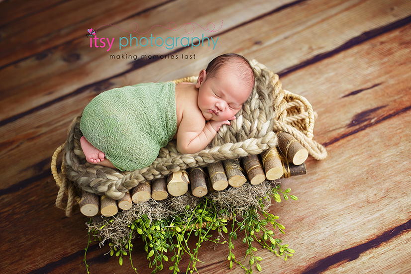 Newborn photographer, baby photography, infant photography, newborn boy, green wrap, basket, tushy up pose, baby wrapping, newborn posing ideas