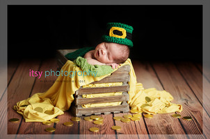 baby photographer, newborn photographer, infant photographer, dc photographer, new born, boy, girl, infant, baby, newborn posing ideas, baby wrapping, leprechaun, gold, pot of gold, crate, green blanket, head on hands