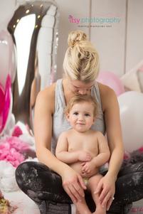 Cake smash, one year old girl, baby girl, baby photographer, newborn photographer, infant photographer,  balloons, mom, Hot pink, white, grey