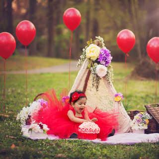 IMG_9706 red balloons cake smash outdoor