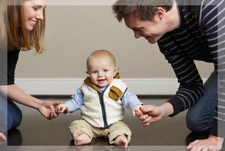 baby photographer, newborn photographer, infant photographer, dc photographer, 1 year old one year old posing ideas, boy, mom and dad