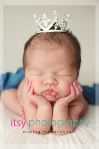 baby photographer, newborn photographer, infant photographer, dc photographer, new born, boy, girl, infant, baby, newborn posing ideas, baby wrapping, froggy pose, white backdrop, blue blanket