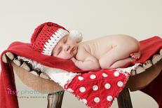 Newborn photographer, baby photography, infant photography, newborn boy, Christmas, Joy, red blanket, Santa hat, crochet Santa hat