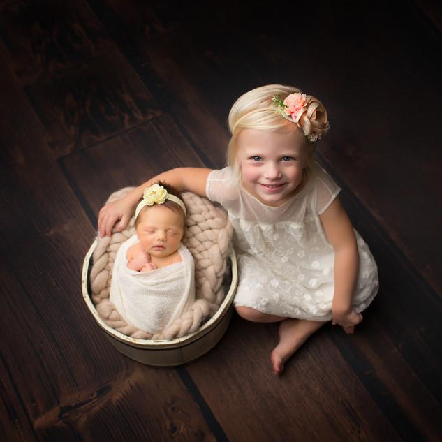 IMG_0962 sisters siblings newborn.jpg