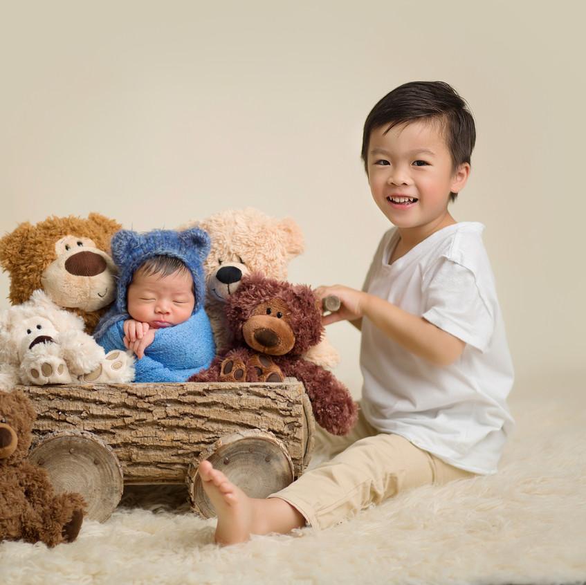 3G2B6399 wagon bears and a brother.jpg