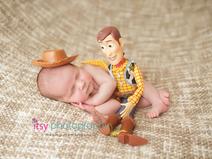 Newborn photographer, baby photography, infant photography, newborn boy, Toy story, Burlap, Cream backdrop,