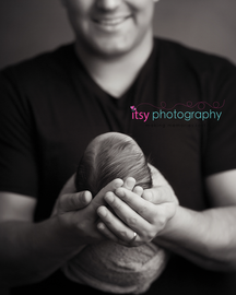 Newborn photographer, baby photography, infant photography, newborn boy, dad, black and white, newborn posing ideas