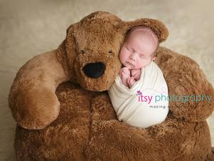 Newborn photographer, baby photography, infant photography, newborn boy, cream wrap, baby wrapping, cream flokati, white backdrop,  eyes open, giant teddy bear