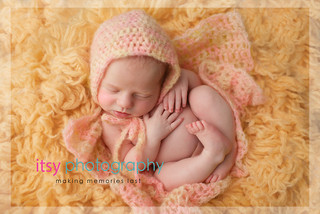 baby photographer, newborn photographer, infant photographer, dc photographer, new born, boy, girl, infant, baby, newborn posing ideas, baby wrapping, peach flokati, pink blanket and bonnet
