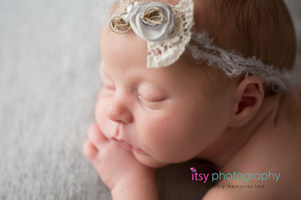 Newborn photographer, baby photography, infant photography, newborn girl, grey backdrop, details, macro shot, eyes, nose, mouth, ears, headband
