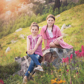 Abigail and Taylor field of flowers.jpg