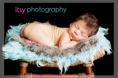 Newborn photographer, baby photography, infant photography, newborn boy, tushy up pose, newborn posing ideas, blue flokati, stool, black backdrop.