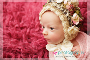Newborn photographer, baby photography, infant photography, newborn girl, pink flokati, bonnet,pink wrap, baby wrapping ,studio  photography, newborn posing ideas,