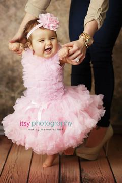 baby photographer, newborn photographer, infant photographer, dc photographer, 1 year old one year old posing ideas,, pink dress, mom, girl