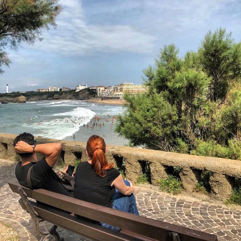 Tomándonos un respiro en el paseo de Miaerritz (Biarritz)