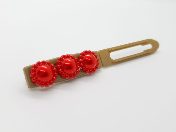 Red Mini Valentine Flowers on a 4.5 Flat Style Clip