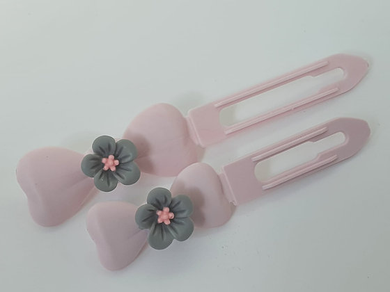Spring Grey and Pink Daisy Flower on a Pink 3.5 or 4.5 Clip