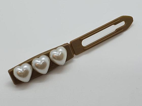Pearl Mini Valentine Hearts on a 4.5 Flat Style Clip