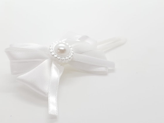 Pretty White Satin & Pearl Bow on a 4.5cm clip