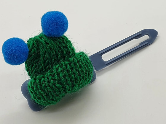 Green Woolly Bobble Hat on a 4.5 Bow clip