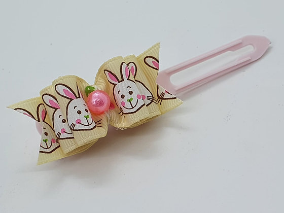 Cute Easter Bunny  Bow on a pale pink 4.5 clip