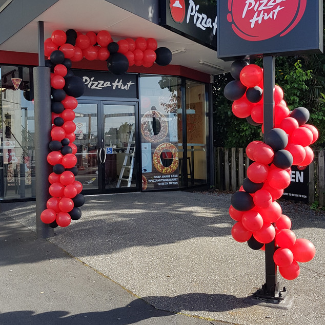 Pizza Hut Bank Street Opening