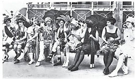 1922 Pulchritude contestants on parade