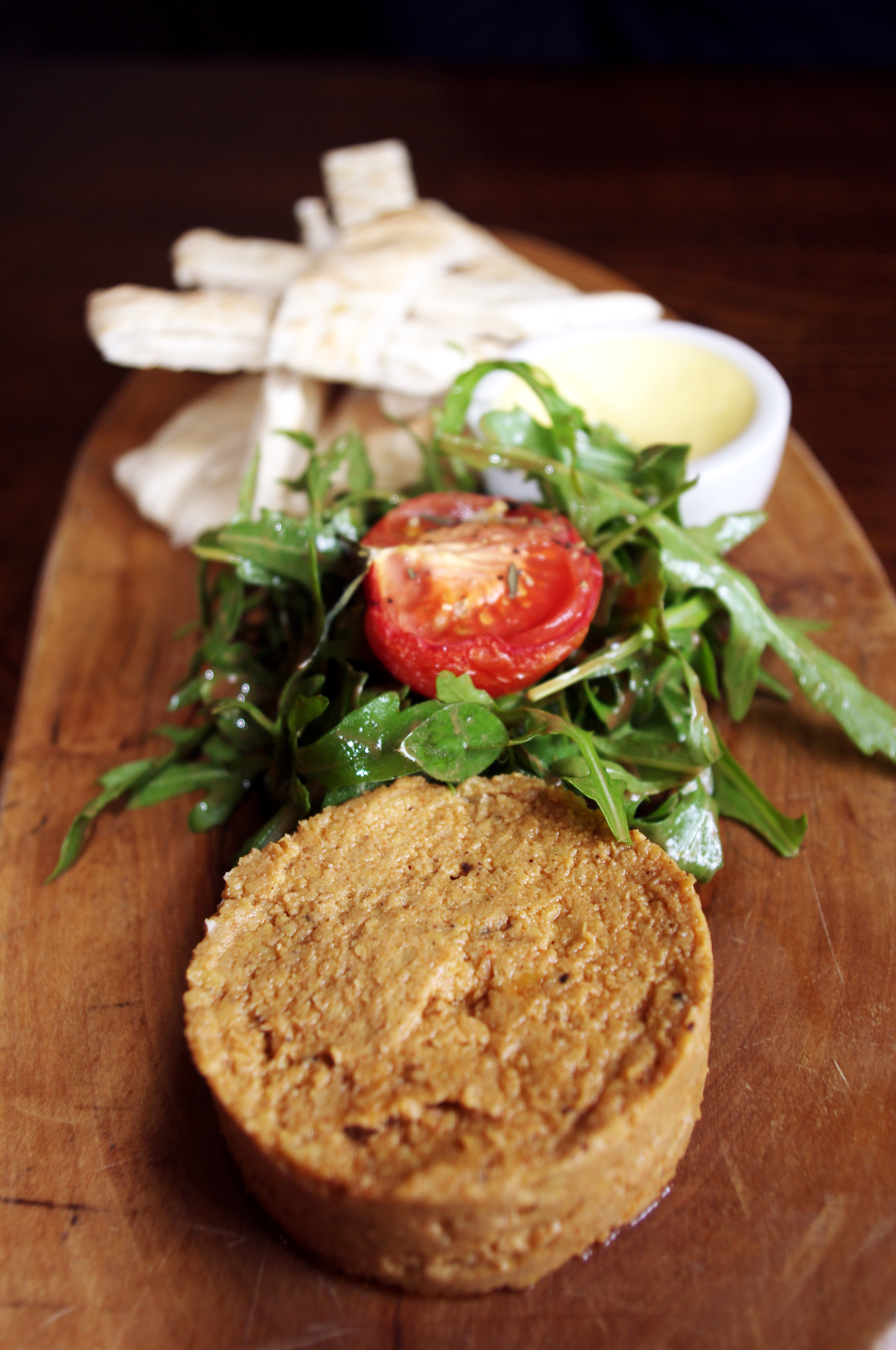 Rustic Hummus & Pitta Bread