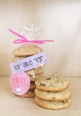 oreo cookies *v*