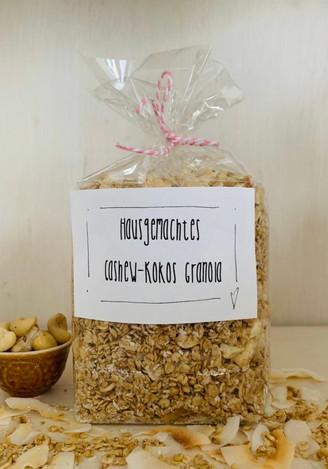 cashew-kokos granola