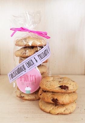 flakes/gianduja choco & macadamia cookies *v*