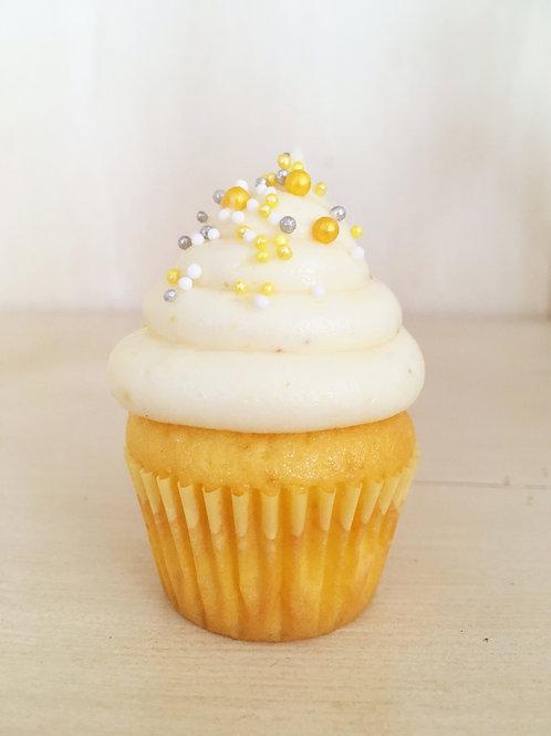 12 Lemon Maxi Cupcakes