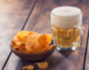 Cerveja e batatas fritas