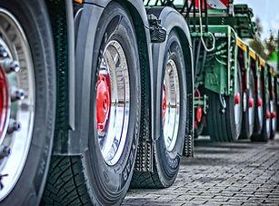 truck-2920533_1920.jpg