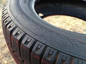 tire-406193_1920.jpg