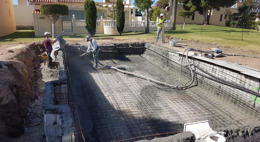 Gunitado de piscinas en San Juan de los Terreros, Almería.