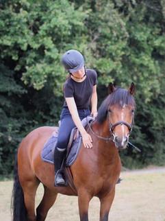 cavalière à cheval