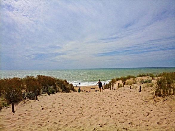 Se promener au bord de la plage