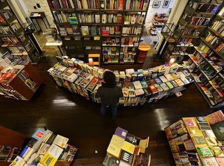 Mais do que meros vendedores de livros