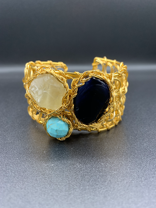 Earthed Queen Cuff