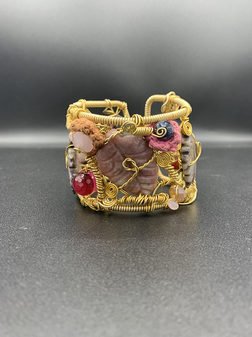 Clustered Queen Cuff
