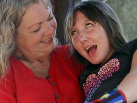 """""""Ah, se eles fossem crianças para sempre!"""": a atenuação do crescimento de crianças com deficiência.."""