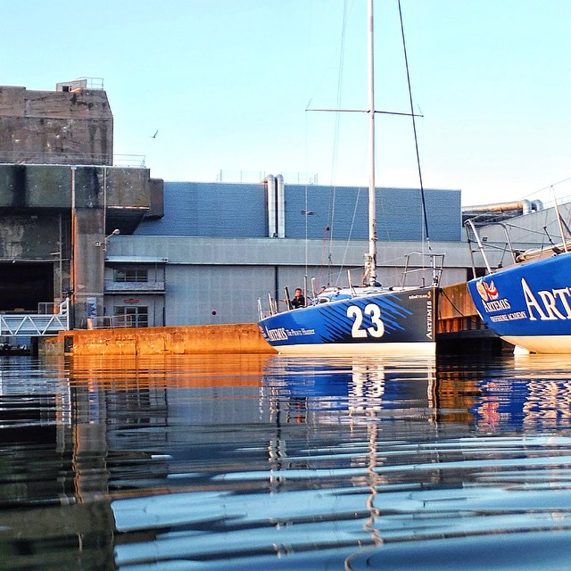 Instagram - Chilling in Lorient #aoasolo #water #sea #volie