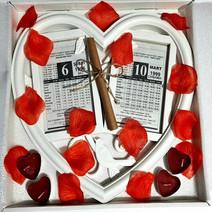 Sevgiliye Doğum Günü Hediye Kutuda 2li Kalp Çerçeveli Takvim Yaprağı