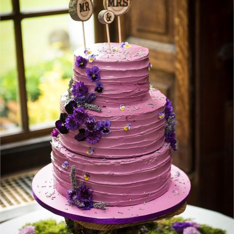 Violet wedding cake by cake me by surprise