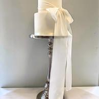 2-tier white wedding cake